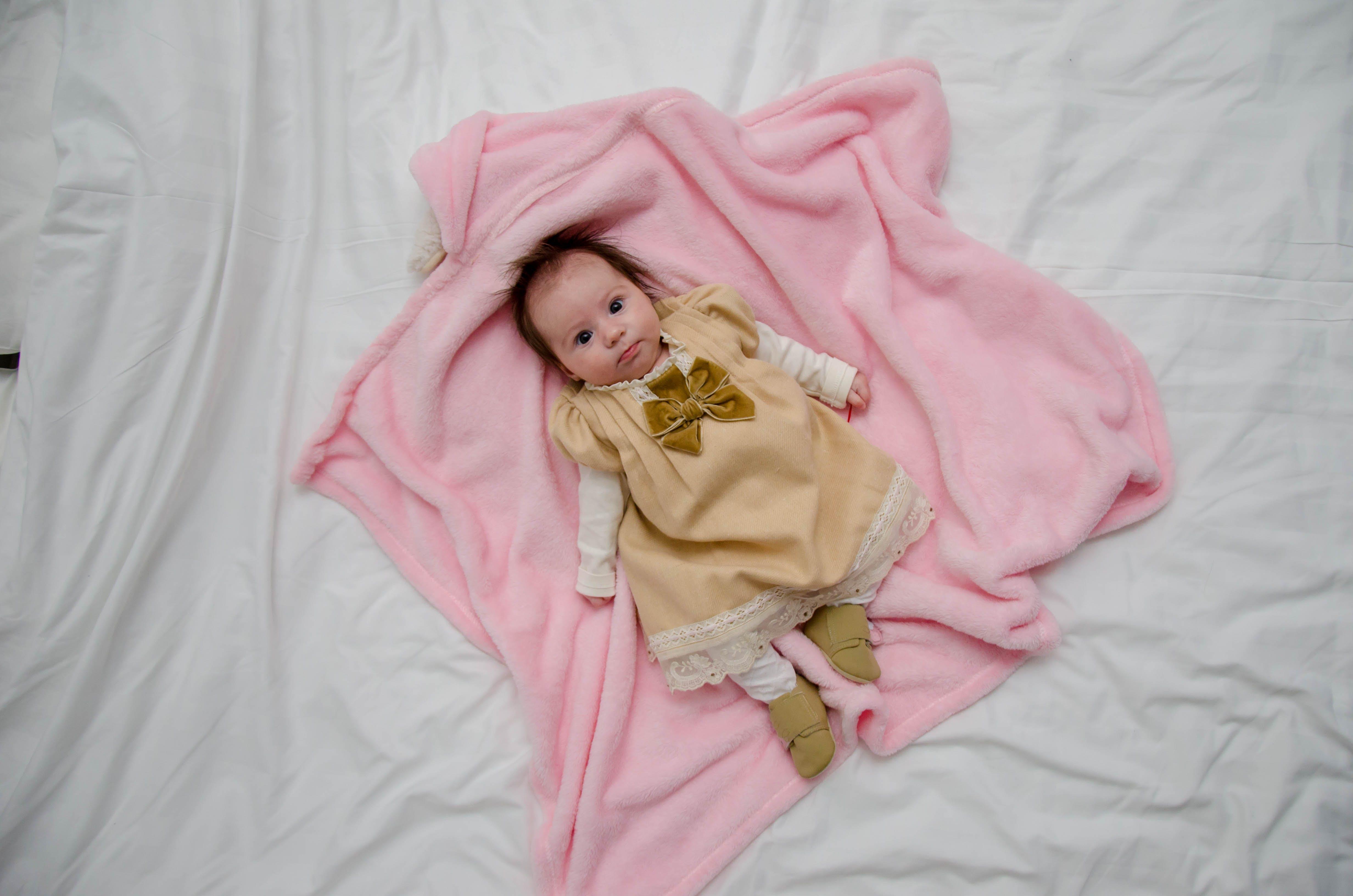 Kostenloses Stock Foto zu baby, bett, hübsch, kind