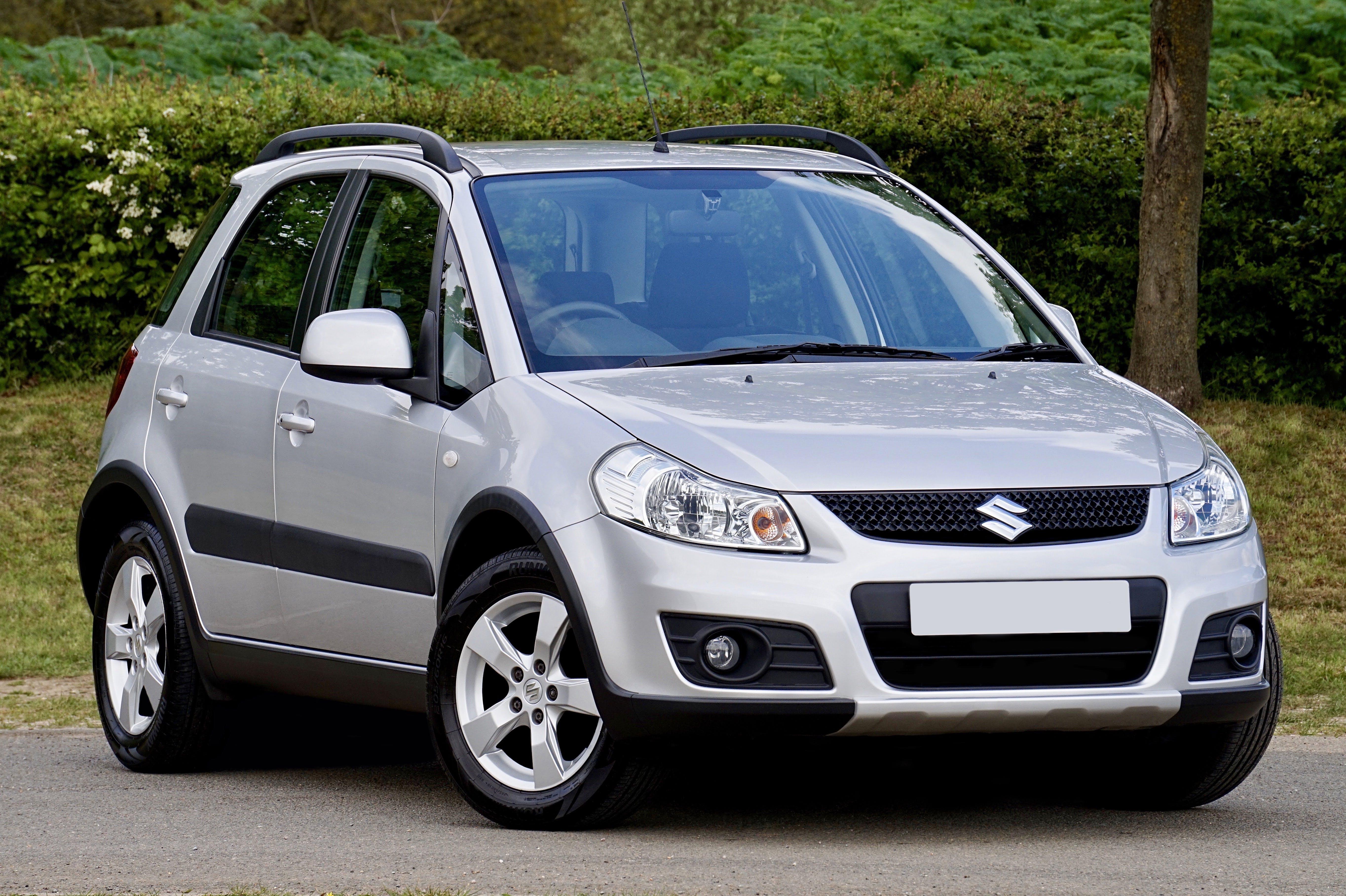 Foto d'estoc gratuïta de 4x4, cotxe, fotografia de vehicles, plata