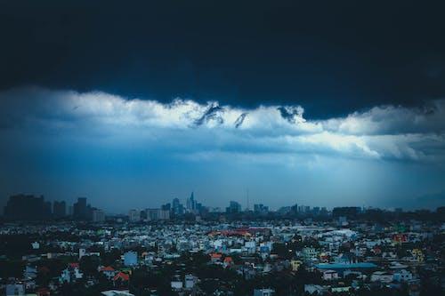 Kostenloses Stock Foto zu grauer himmel, natur, regen