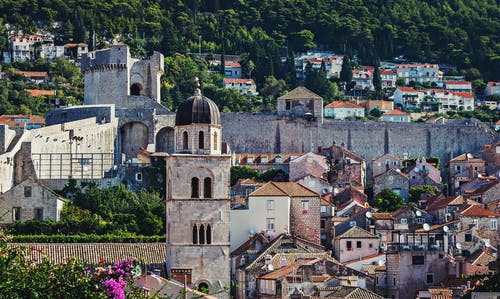 Безкоштовне стокове фото на тему «Замок, Кам'яна стіна, місто, старе місто»