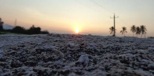 gün batımı, güzel güneş, Kaya içeren Ücretsiz stok fotoğraf