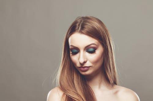 Ingyenes stockfotó álló kép, bőr, függőleges kép, lány témában