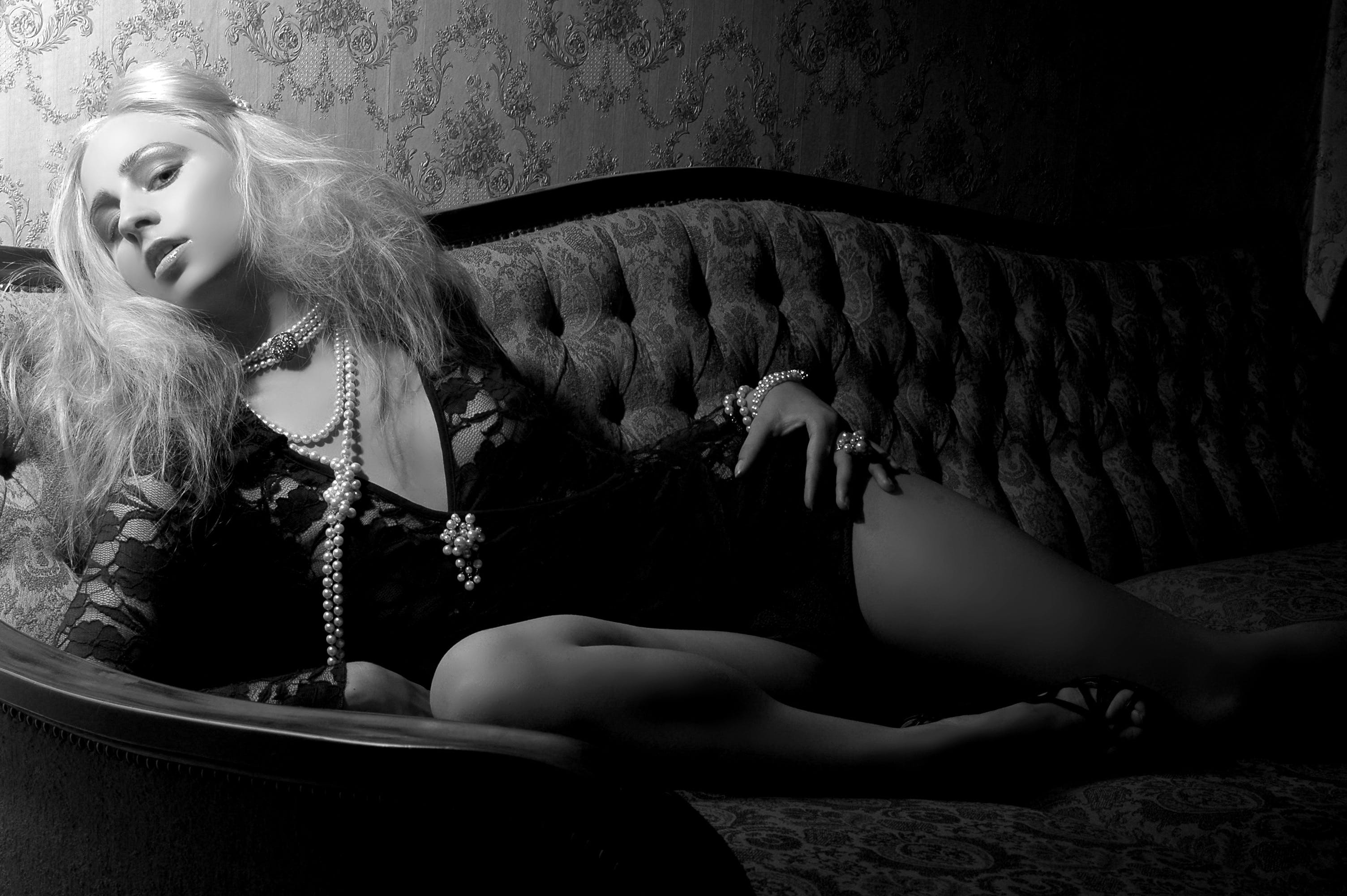Free stock photo of black-and-white, fashion, dark, model