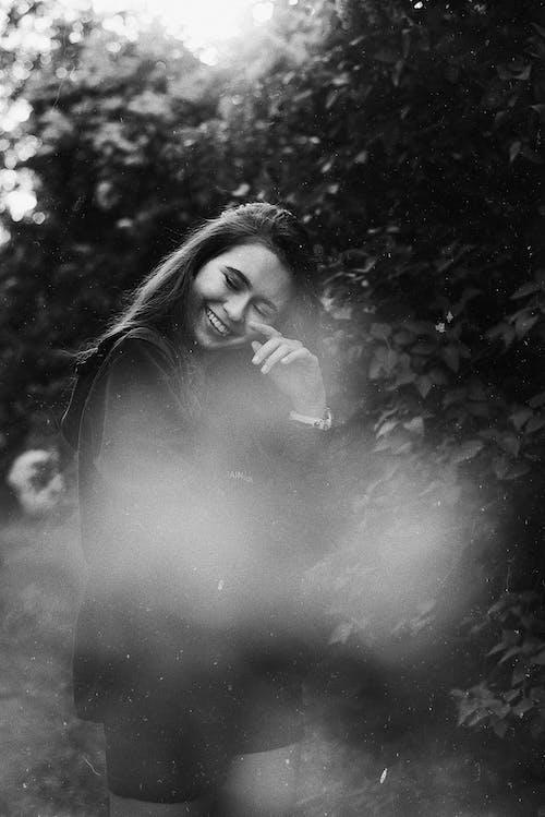 Kostnadsfri bild av kvinna, leende, modell, person