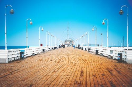 ahşap iskele, deniz, deniz kıyısı, İskele içeren Ücretsiz stok fotoğraf