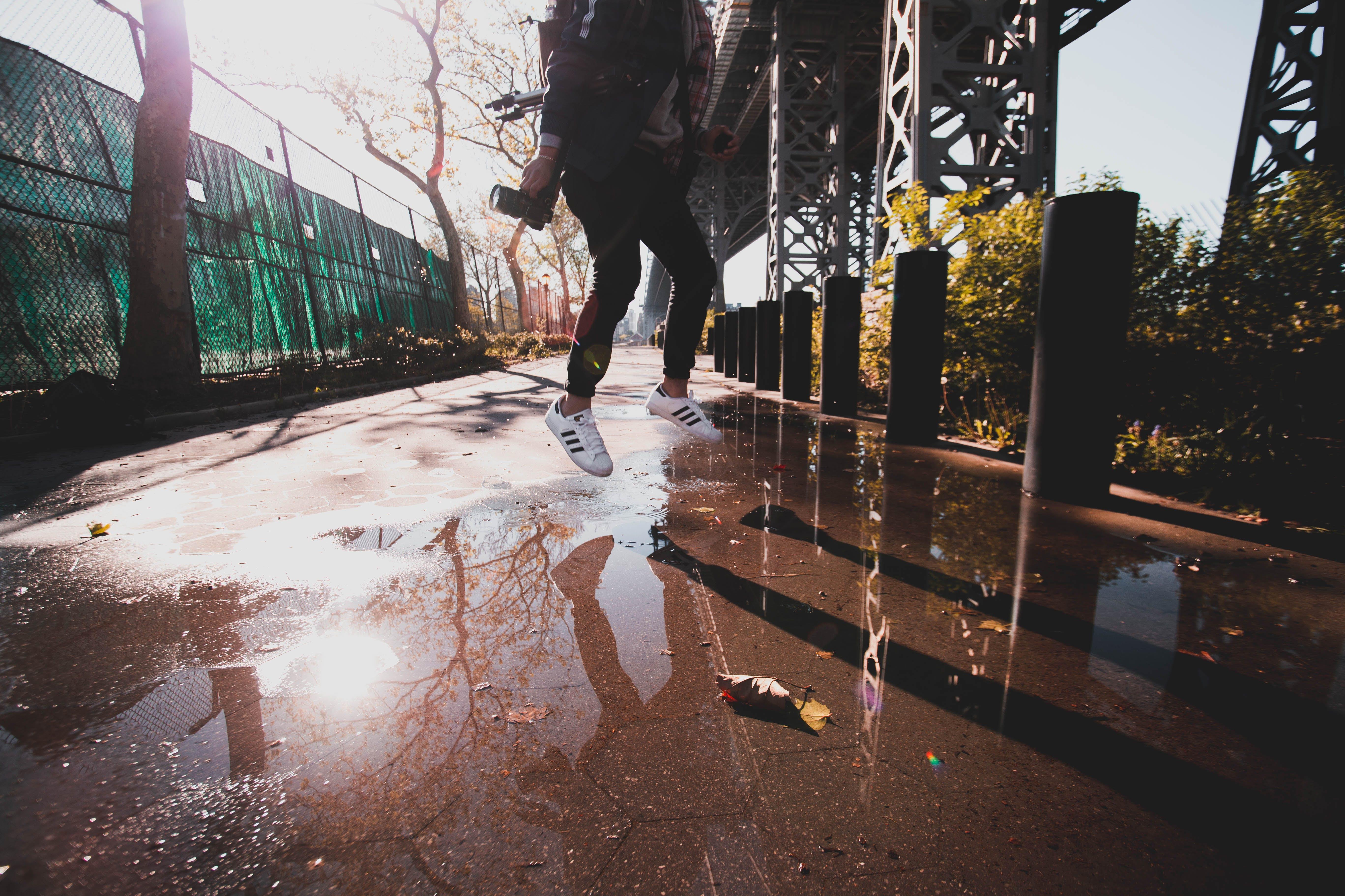 가벼운, 그래피티, 남자, 다리의 무료 스톡 사진