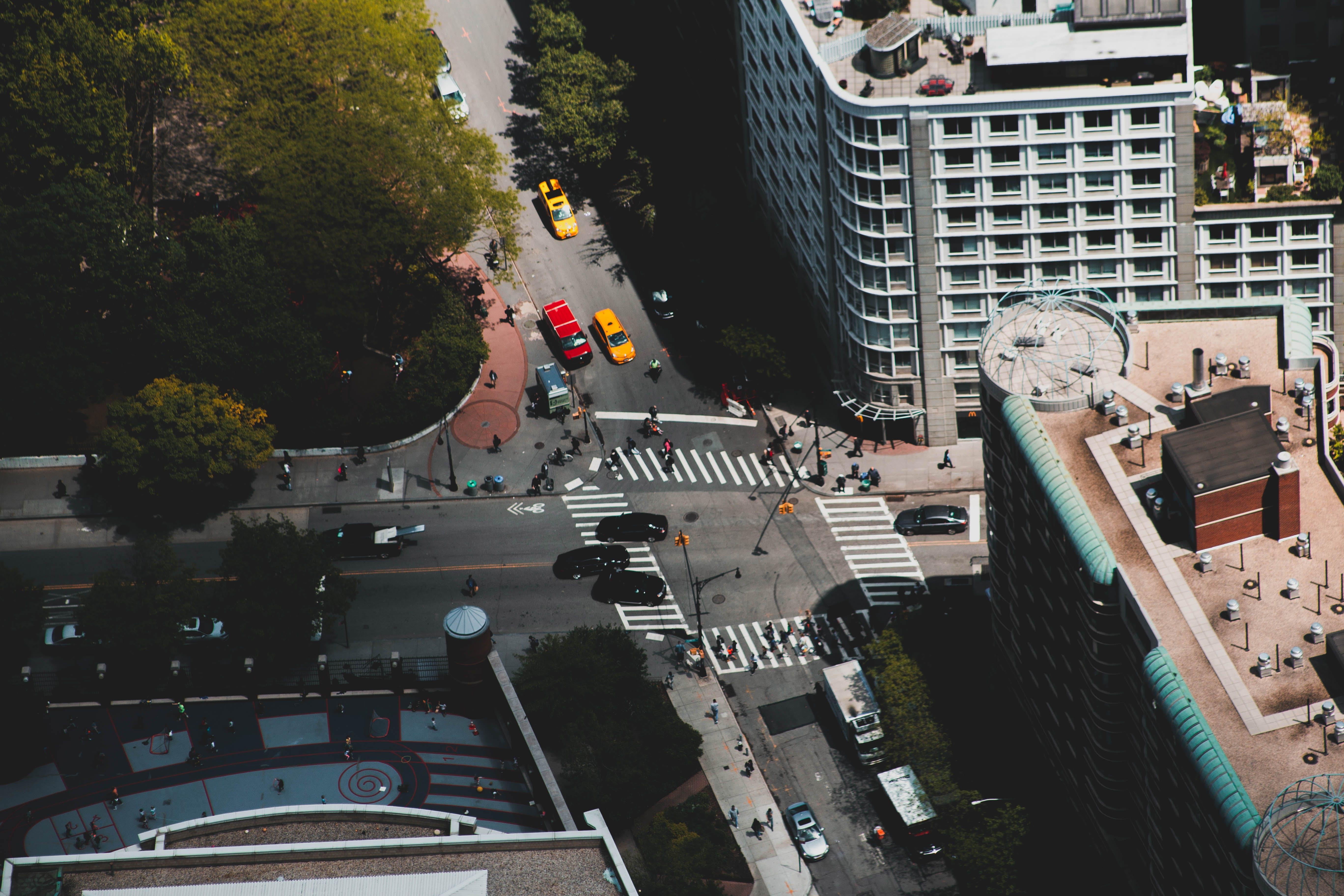가벼운, 건축, 교차로, 교통의 무료 스톡 사진