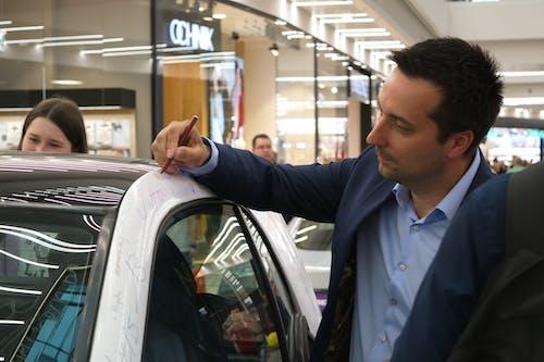 Ingyenes stockfotó aláírás, aláírások, autó, autók témában
