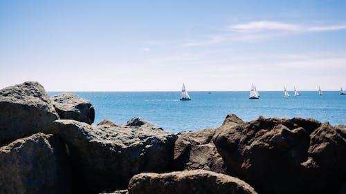 Foto stok gratis bahtera, batu, kapal, kapal layar
