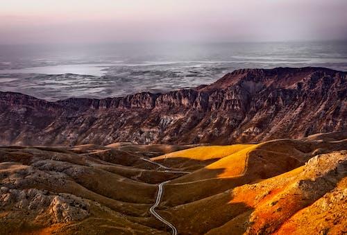 Gratis arkivbilde med landskap, naturskjønn, sandstein, steinete fjell