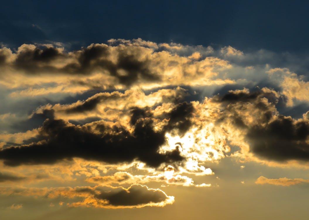 cielo, drammatico, leggero