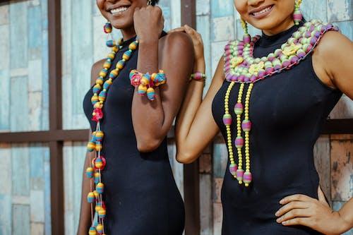 アフリカ系アメリカ人女性, ネックレス, ビーズ, ファッションの無料の写真素材