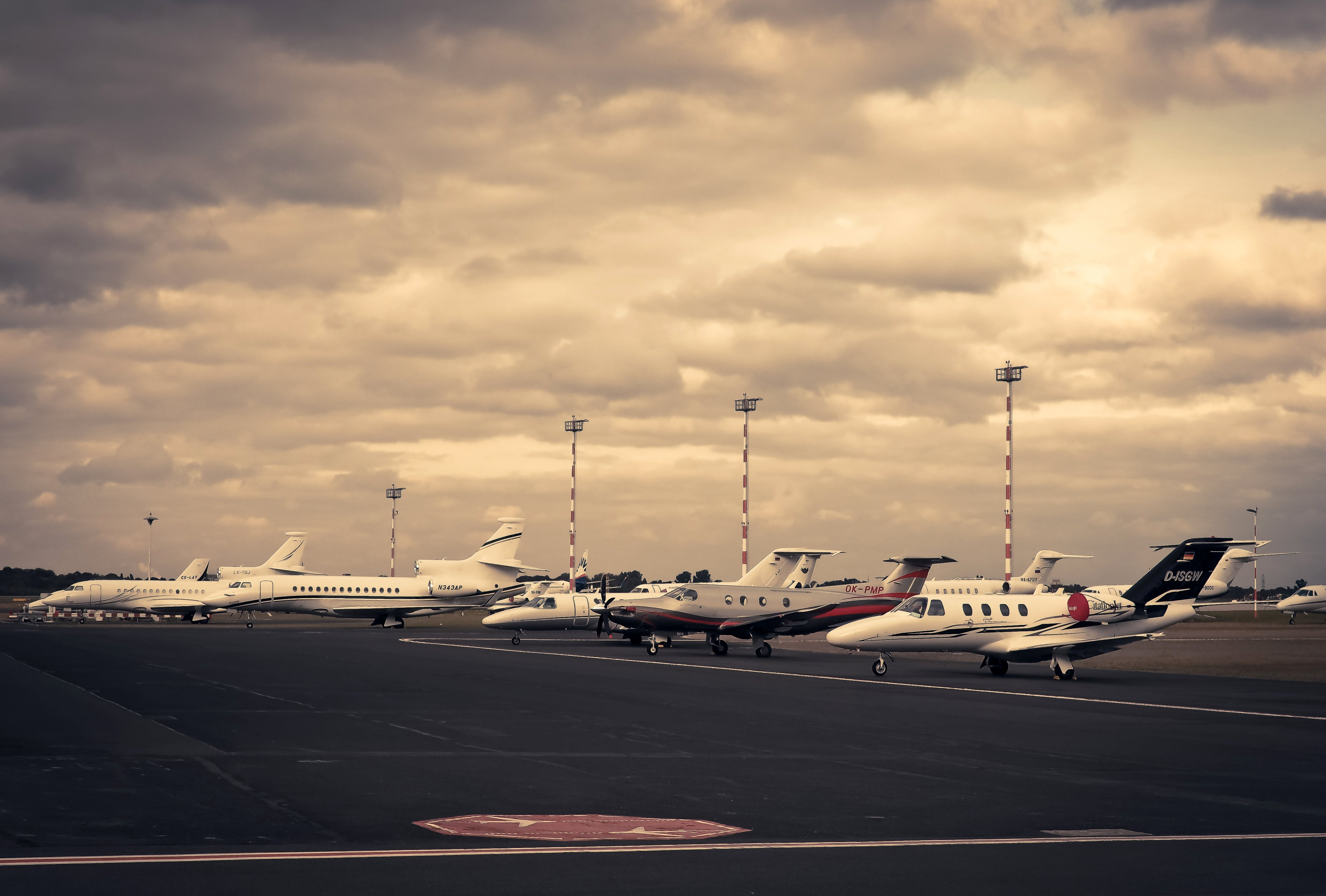 Gratis lagerfoto af afgang, ankomst, fly, flyrejse