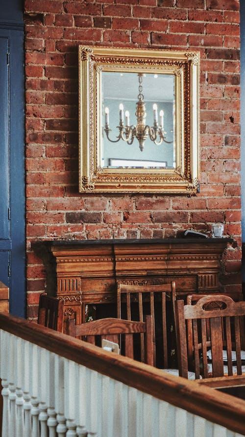 Ilmainen kuvapankkikuva tunnisteilla heijastus, huonekalu, koristelu, kristallikruunu