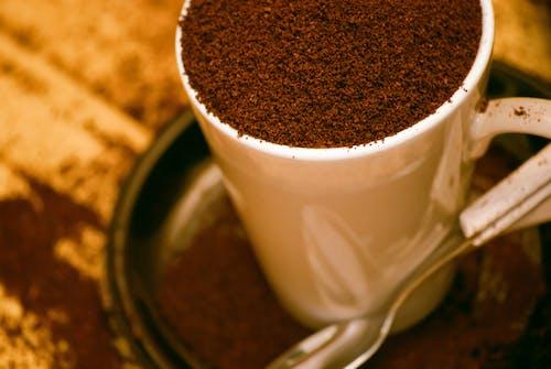 Darmowe zdjęcie z galerii z kawa, kawa mielona, kubek