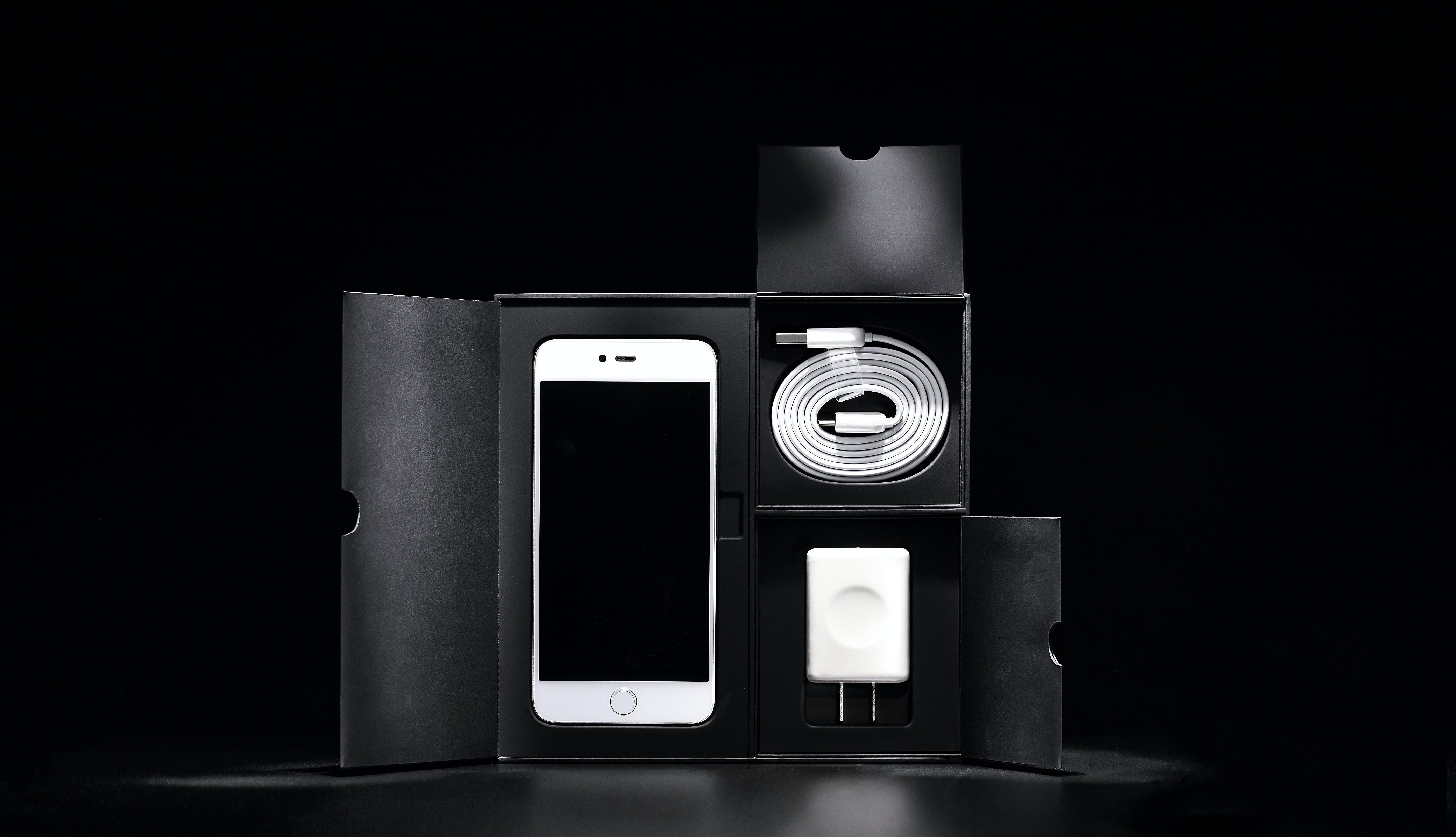ガジェット, ケーブル充電器, スマートフォン, ダークの無料の写真素材