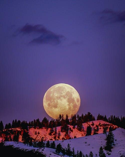Бесплатное стоковое фото с вечер, гора, легкий, луна