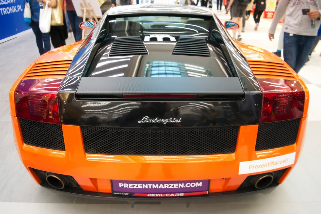 Lamborghini, ακριβό αυτοκίνητο, Άνθρωποι