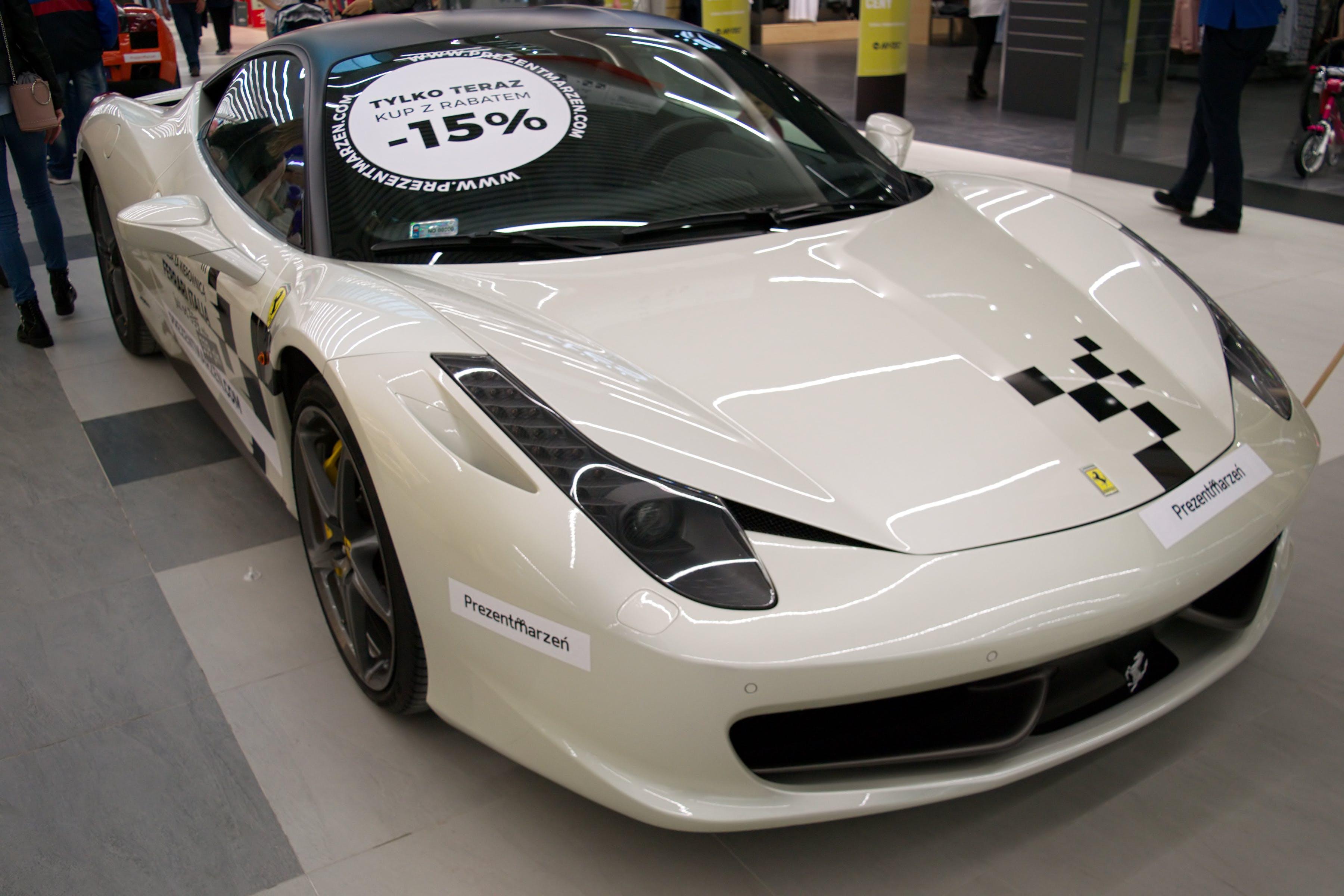Kostnadsfri bild av affär, bil, Ferrari, kommersiell byggnad