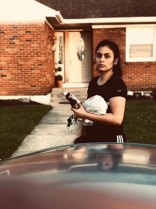 Δωρεάν στοκ φωτογραφιών με αναψυχή, άνθρωπος, αυτοκίνητο, γρασίδι