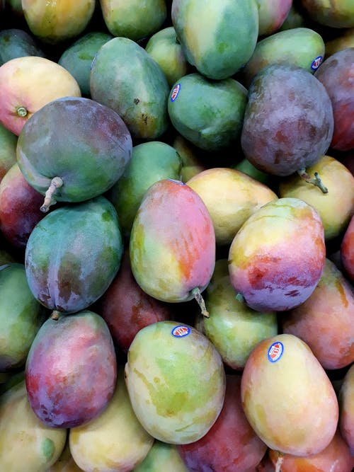 Assorted-color Mangoes
