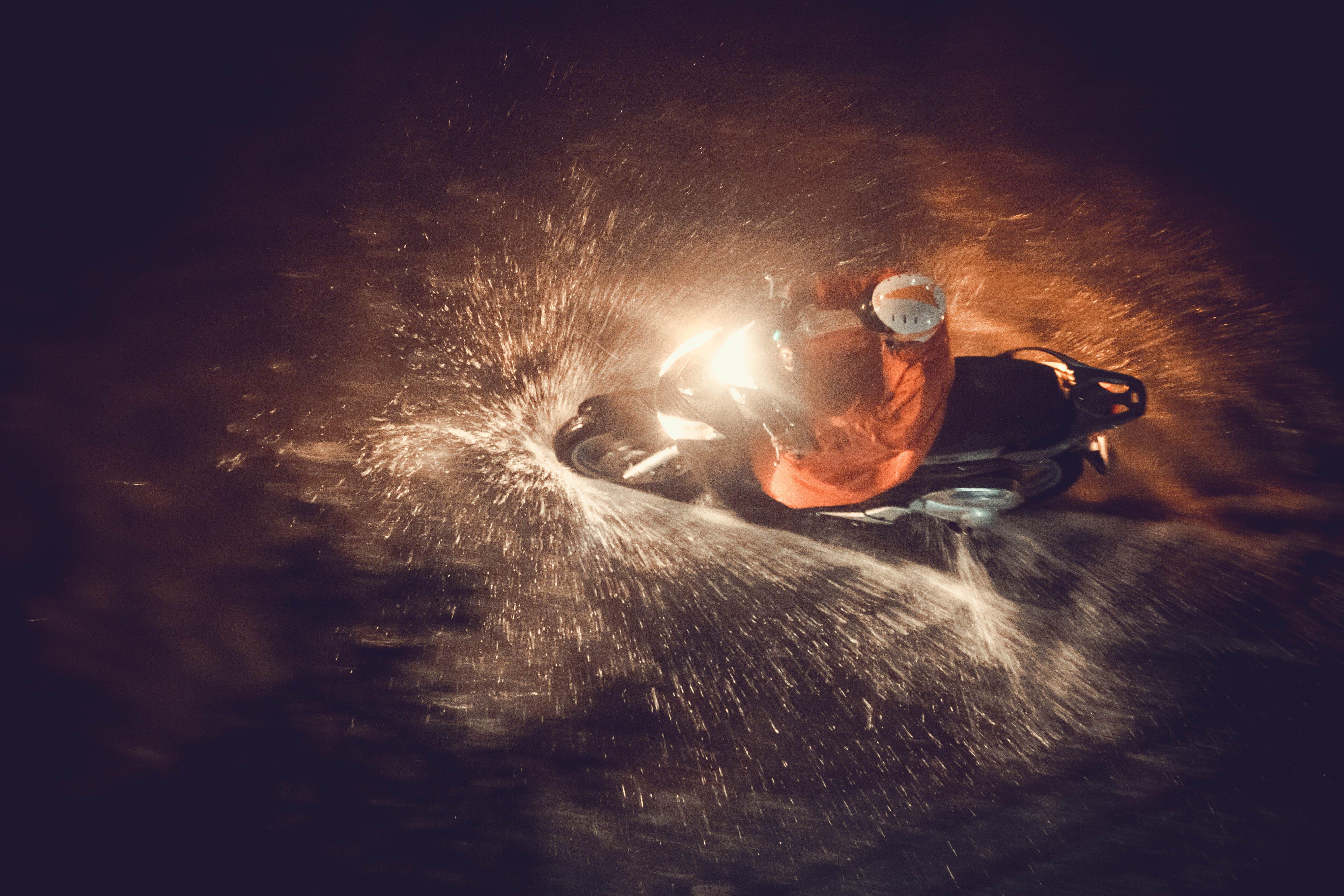 Základová fotografie zdarma na téma biker, blesk, dospělý, fotka zvysokého úhlu