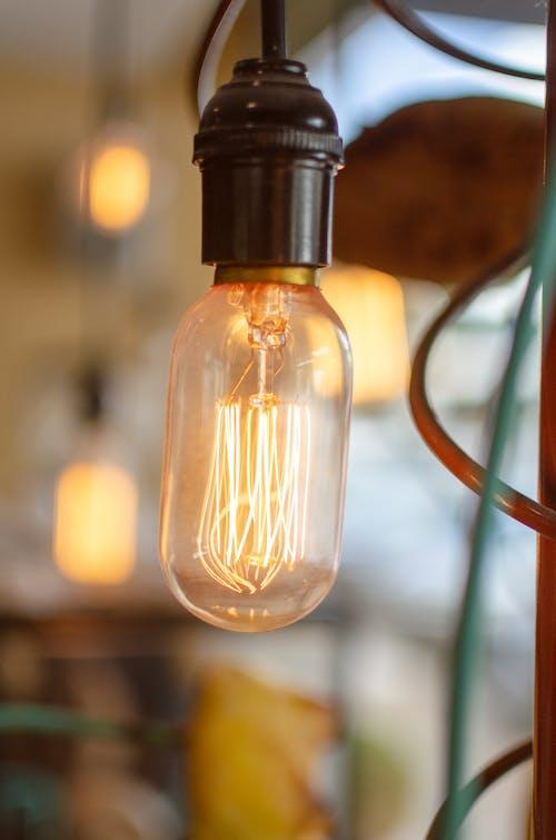 Immagine gratuita di elettricità, filamento di carbonio, illuminato, lampadina