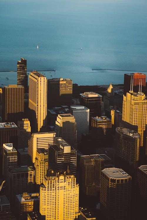 Foto stok gratis bangunan, cityscape, dari atas, gedung