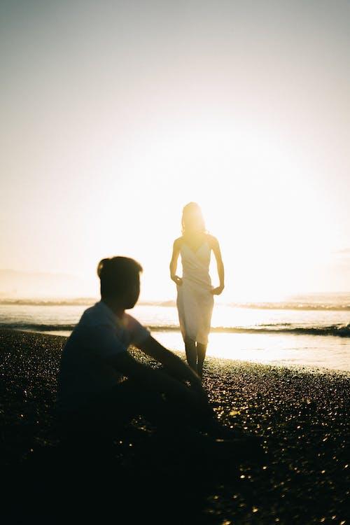 คลังภาพถ่ายฟรี ของ ชายหาด, ซิลูเอตต์, ทะเล, ผู้คน