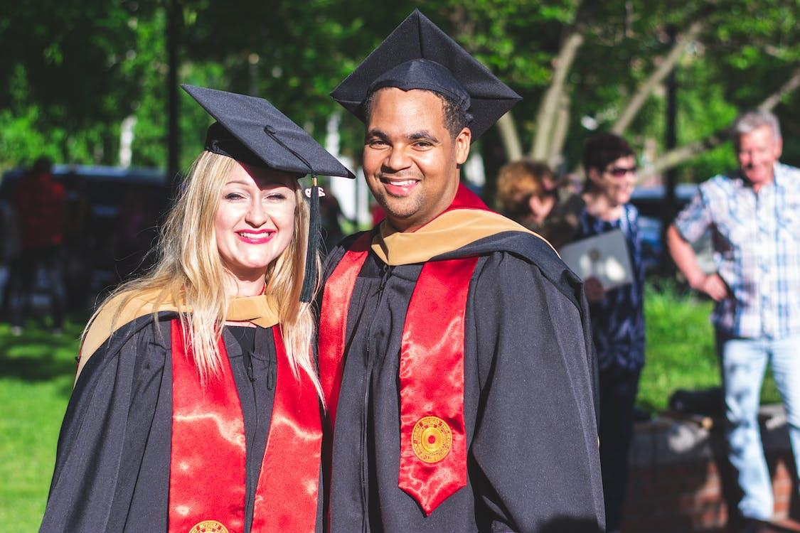 absolvent, absolventi, akademický titul