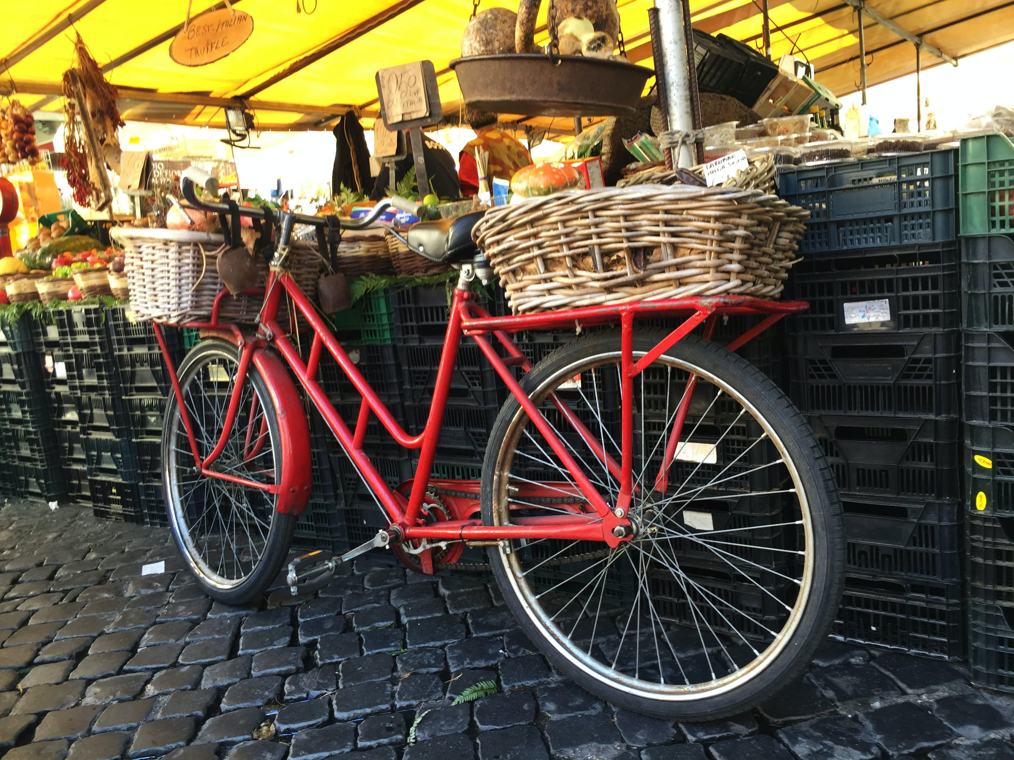 Free stock photo of vegetables, street market, bicycle, spices