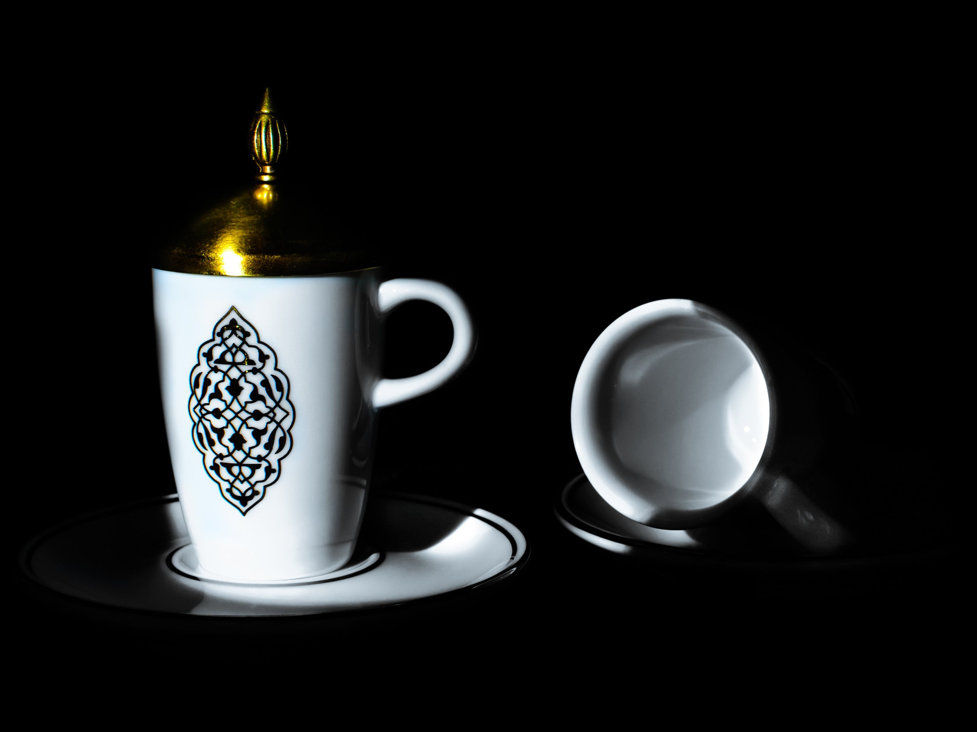 White and Black Ceramic Mug With Brass-colored Lid