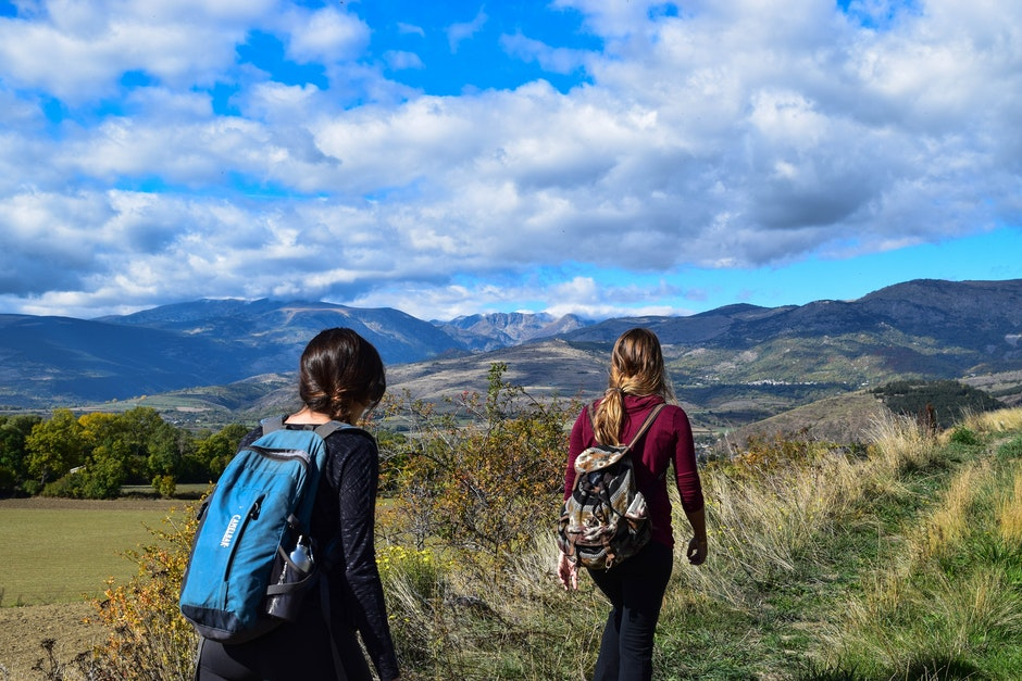 adventure, backpackers, girls