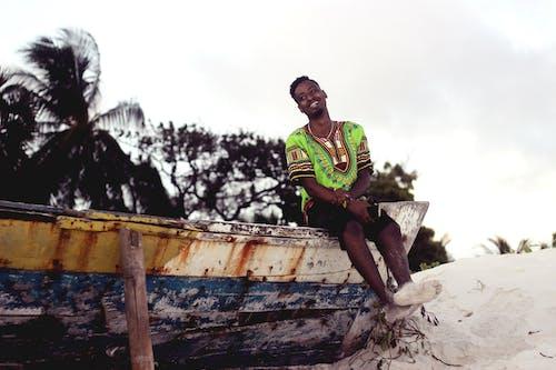 Foto stok gratis di luar rumah, kapal, Kenya, laki-laki