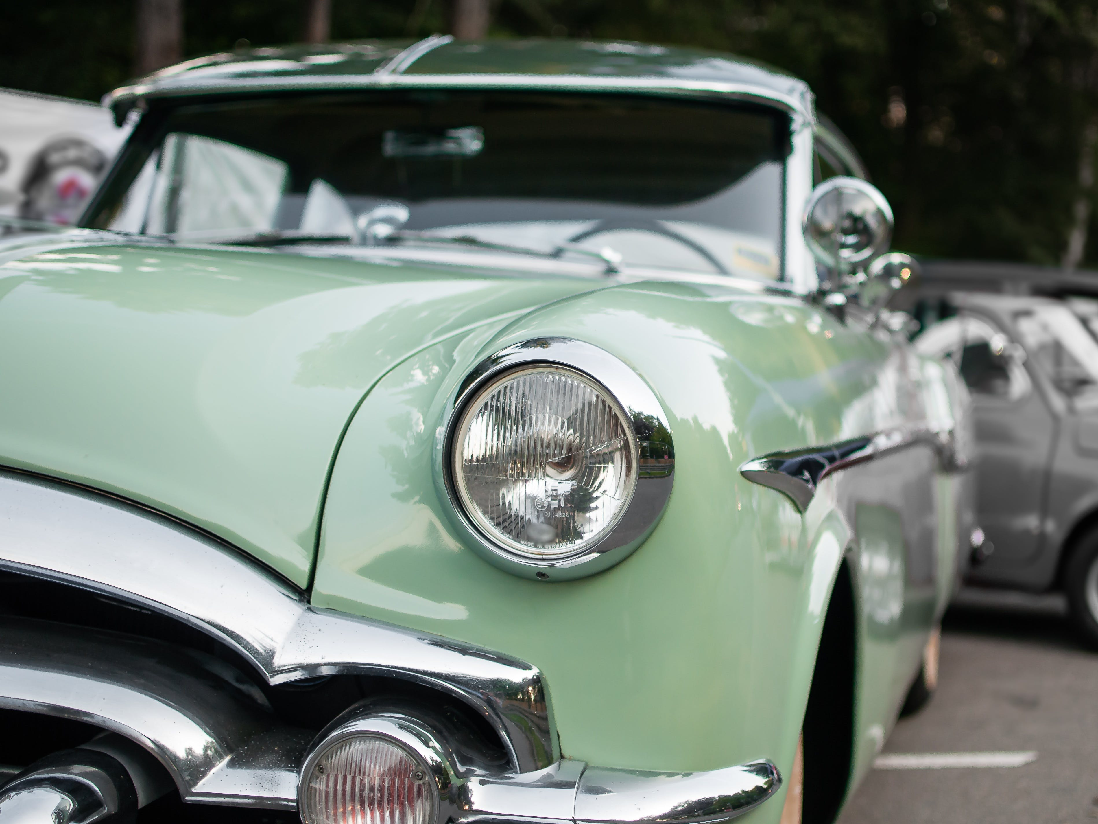 Cyan Vintage Car