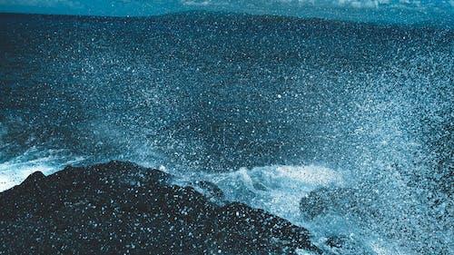 Ingyenes stockfotó hullámok, hullámtörés, nyár, óceán témában