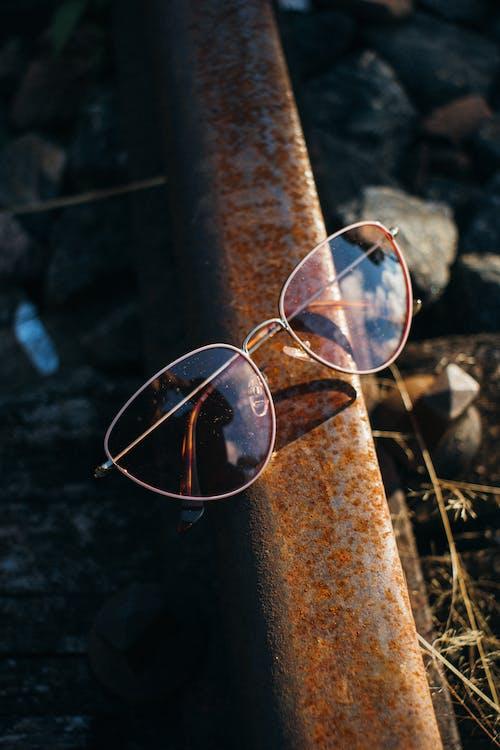 Darmowe zdjęcie z galerii z okulary, okulary słoneczne, zardzewiały