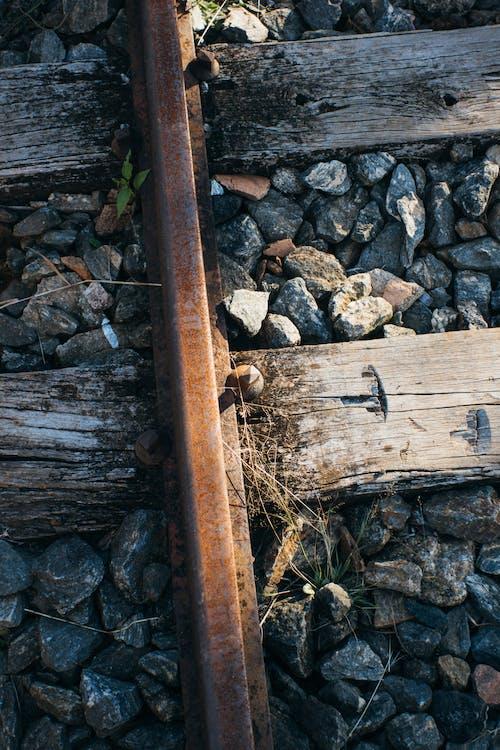 Бесплатное стоковое фото с железная дорога, ржавчина, ржавый, скалы
