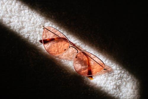 Základová fotografie zdarma na téma brýle, sluneční brýle, sluneční světlo