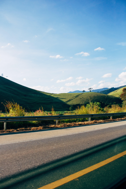 Fotobanka sbezplatnými fotkami na tému asfalt, cesta, diaľnica, jazdiť
