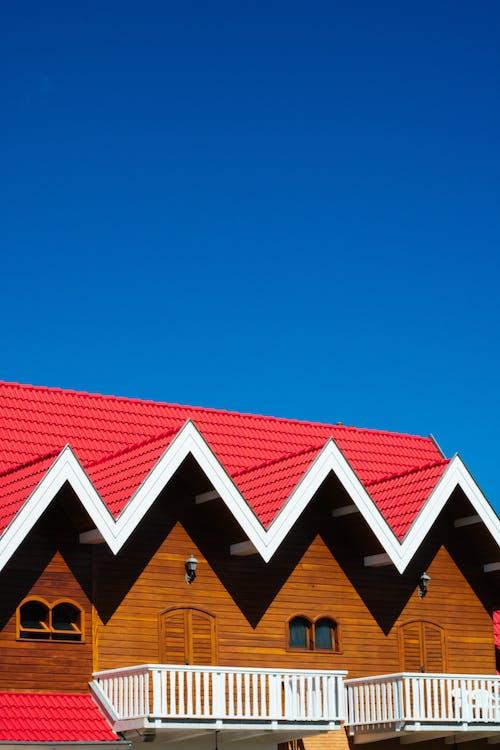 Gratis lagerfoto af altaner, arkitektur, bygning, tag