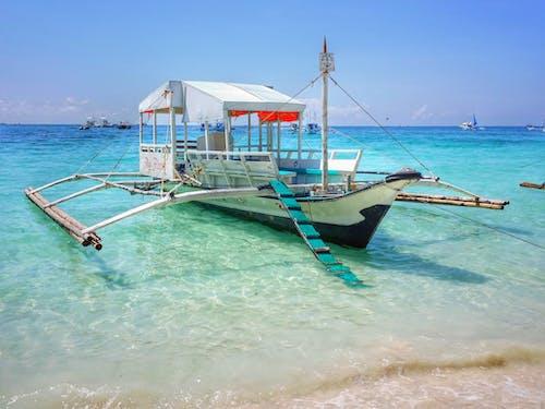 Gratis lagerfoto af båd, feriested, hav, kyst