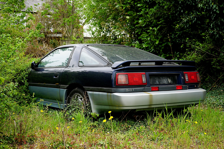Безкоштовне стокове фото на тему «toyota coupe, toyota supra, автомобіль, покинутий»