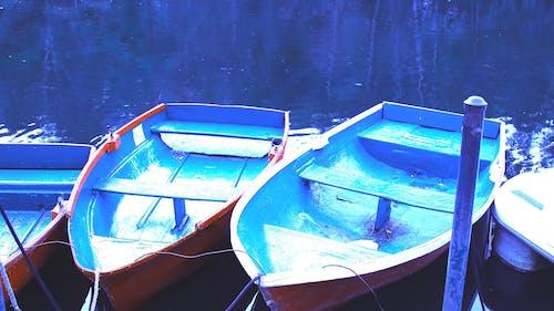 Základová fotografie zdarma na téma čluny, modrá, řeka
