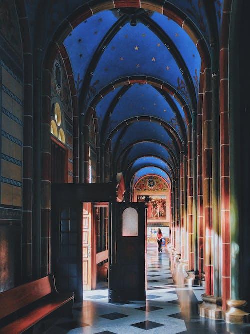 건물, 기둥, 내부, 디자인의 무료 스톡 사진