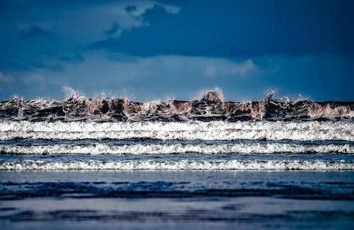 Ilmainen kuvapankkikuva tunnisteilla aallot, hiekkaranta, luonto, merenranta