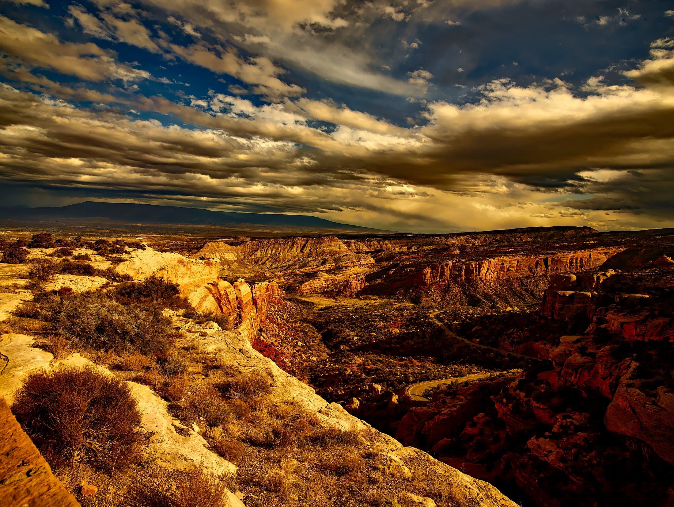 Kostenloses Stock Foto zu canyon, dämmerung, felsig, geologie