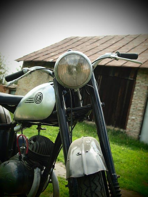 Fotobanka sbezplatnými fotkami na tému motocykel