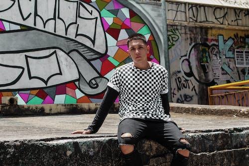 Immagine gratuita di graffiti, indossare, moda, muro