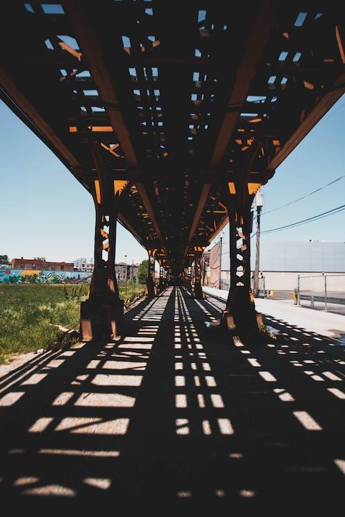 視角, 鋼, 鐵路, 陰影 的 免费素材照片